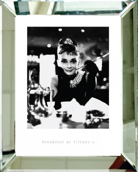 Fotodruck, BREAKFAST AT TIFFANY'S im Glas-Spiegelrahmen