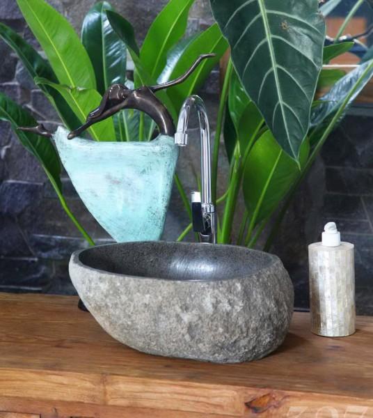 Stein-Waschbecken in drei Größen