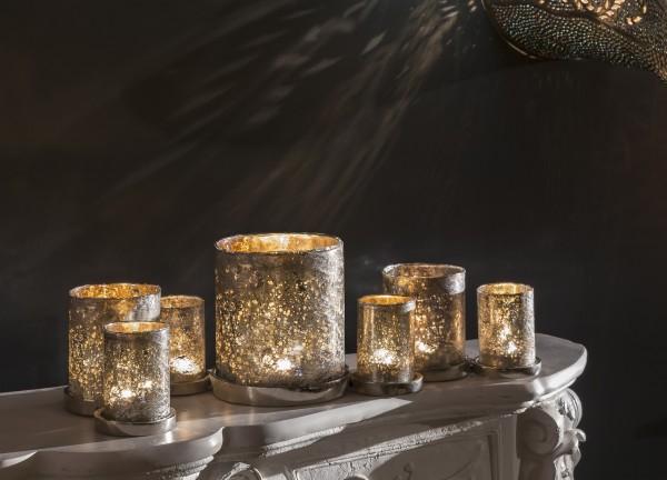 Teelichthalter mit 7 Gläsern (zusammenhängend)