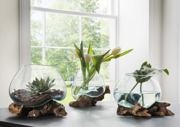 Holzskulptur, Dekowurzel mit Glasvase