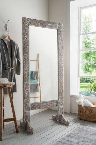 Standspiegel mit Alabasiaholz-Rahmen, white wash