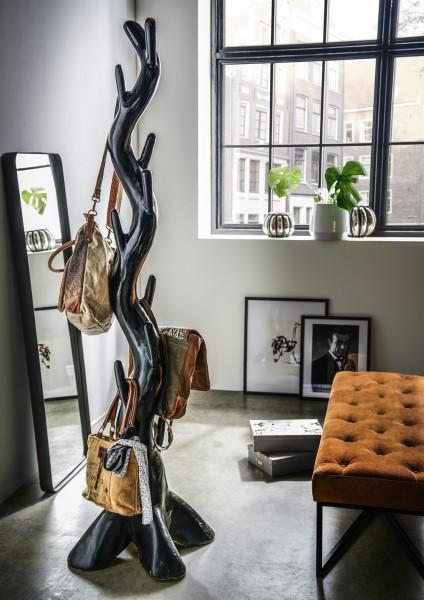 Kleiderständer aus Suar-Holz, schwarz