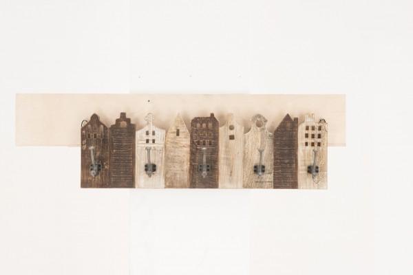 Hakenleiste aus Recyclingholz, Häuserreihe