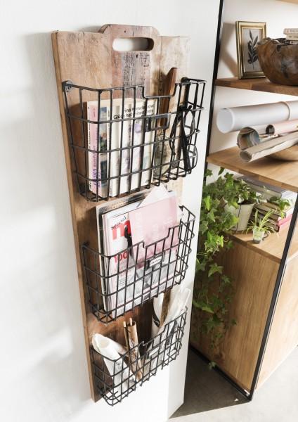 Wandablage aus Recyclingholz mit Metallkörben